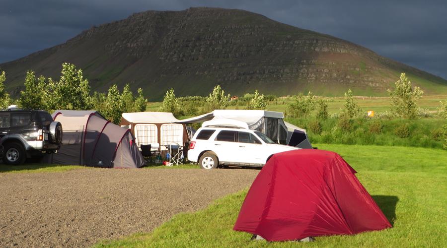 Reisetipp für Island: Mietwagen nehmen.