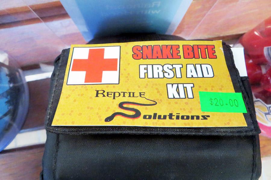Erste-Hilfe-Set für Schlangenbisse