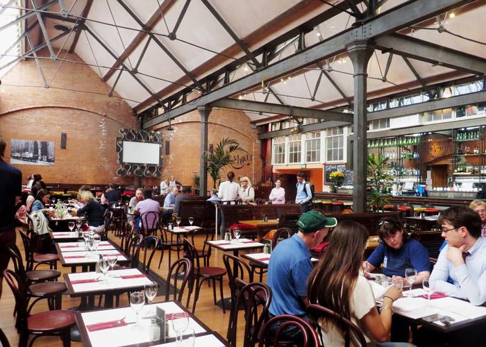 Restaurant im Georges Market Dublin