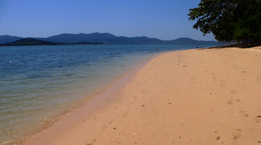 Strand auf Koh Bu Bu, Thailand