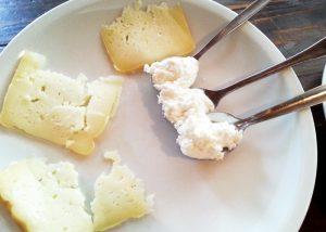 Was isst man in Portugal? Käse geht immer.