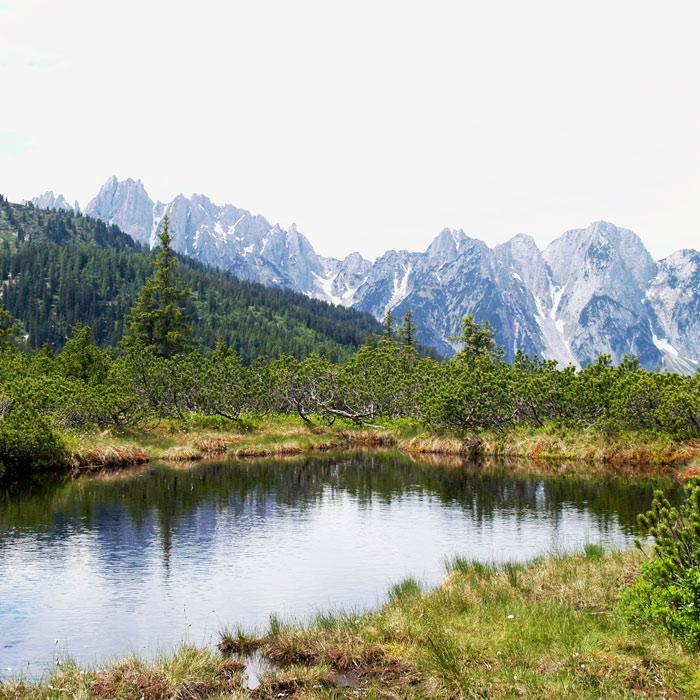 Salzkammergut BergeSeen Trail_Weitwanderweg in Österreich_Bergsee