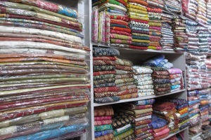Angebote in Hülle und Fülle am Bazar von Jaipur.