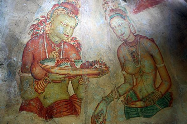 Die Wandmalerien aus dem 5. Jahrhundert sind noch gut erhalten, heute gehört Sigirya zum Weltkulturerbe der UNESCO.