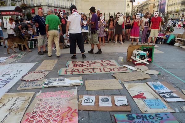 Demo auf dem Platz Puerto del Sol in Madrid