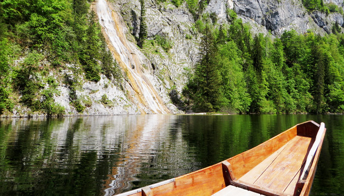 Plättenfahrt bei der Drei Seen Tour am Toplitzsee