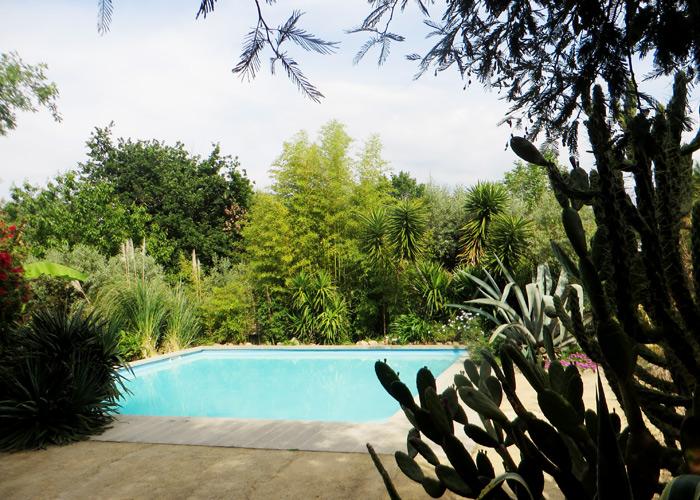 Pool am Campingplatz Toca do Raposa