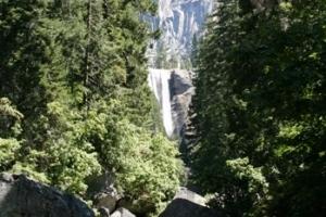 Die Bridal Veil Falls sind über eine kurze Wanderung erreichbar.
