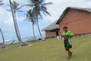 Die traditionell bunten Kleider der Kuna Yala sind das klassische Markenzeichen des Stammes.