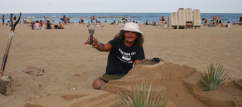 Sandburgenbauern an der Barceloneta in Barcelona