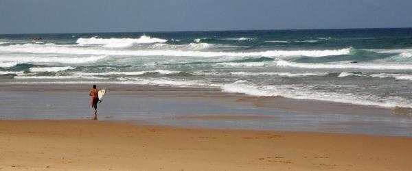 Surfen als Herausforderung in Portugal