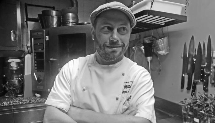 Oskar Strassner vom Restaurant Pitzock kocht am liebsten Villnösser Brillenschaf