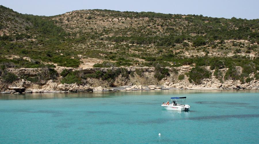 Mit dem Boot Zypern erkunden