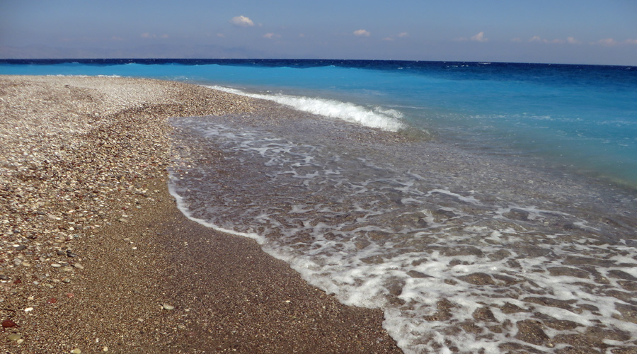 Elli Beach in Rhodos Stadt: glasklares Wasser.