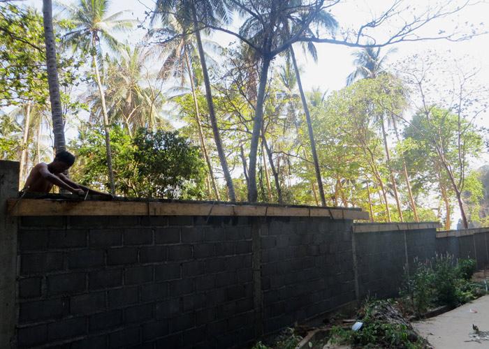 Tonsai Beach Thailand Mauer