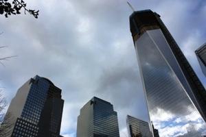 Rundherum wird bereits fleißig am neuen World Trade Center Komplex gebaut.