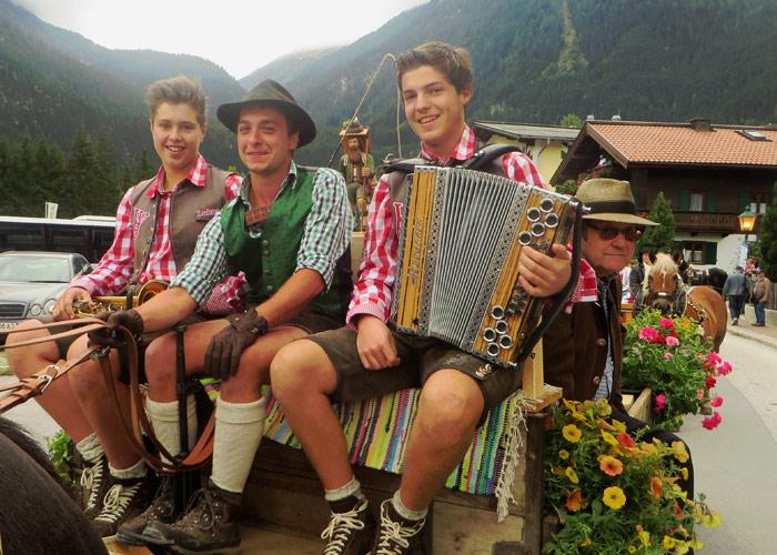 Musiker am Salzburger Bauernherbst in Krimml