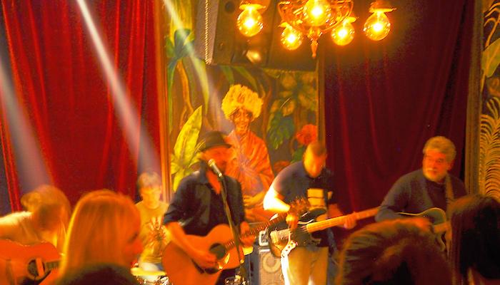"Live-Band im Belgrader Club ""Strogi Centar"""