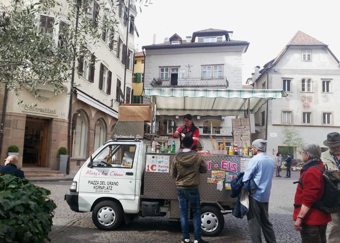 Eis in Bozen, Italien