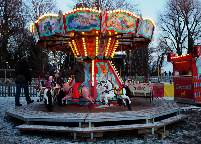 christkindlmarkt_fraueninsel_chiemsee_Karussell