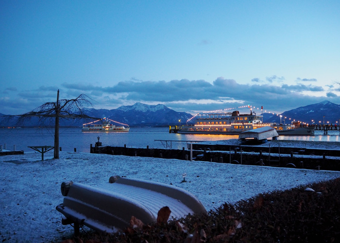 christkindlmarkt_fraueninsel_chiemsee_schiff