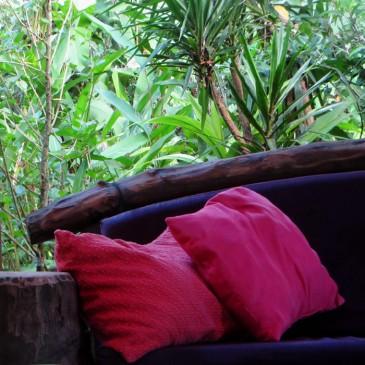 Couch im Haupthaus im Ojo del Mar