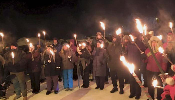 """Demonstration an der norwegisch-russischen Grenze: """"Flüchtlinge willkommen in der Arktis"""""""
