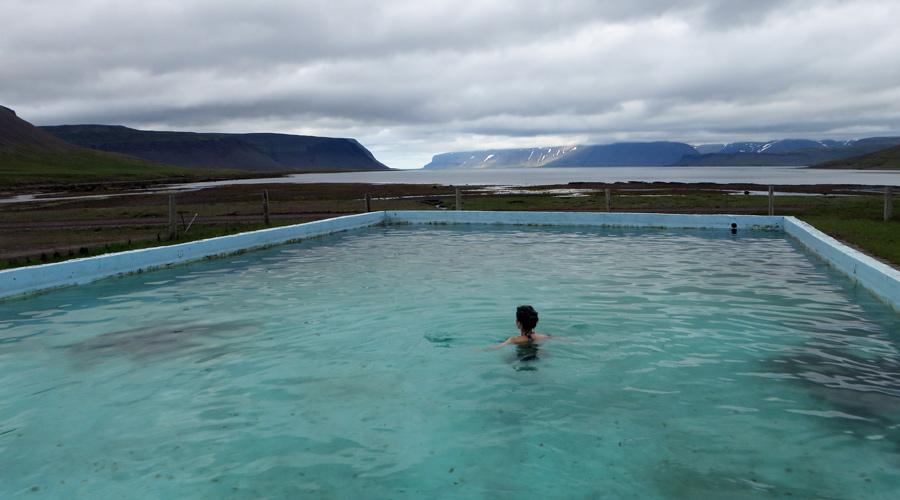 Island_Pool_Reykjafördur