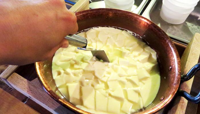 Käse-Herstellung am Fürstenhof