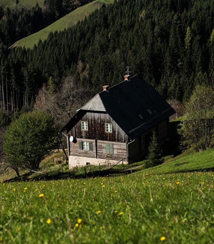 Ausblick vom Norischen Panoramaweg in Mittelkaernten