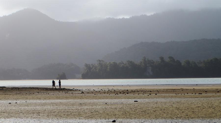 Tidal Crossing am Abel Tasman Costal Track in Neuseeland