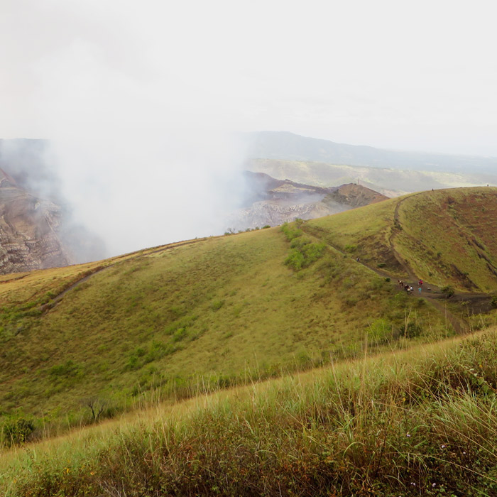 Tour zum Vulkan Masay beim Backpacking in Nicaragua