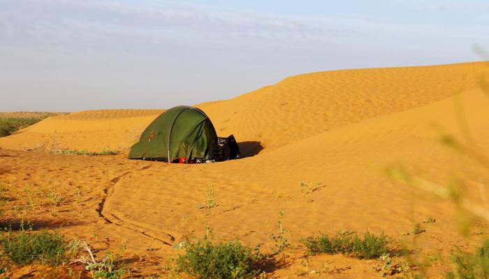 Zelten in Turkmenistan bei der Fahrrad-Weltreise