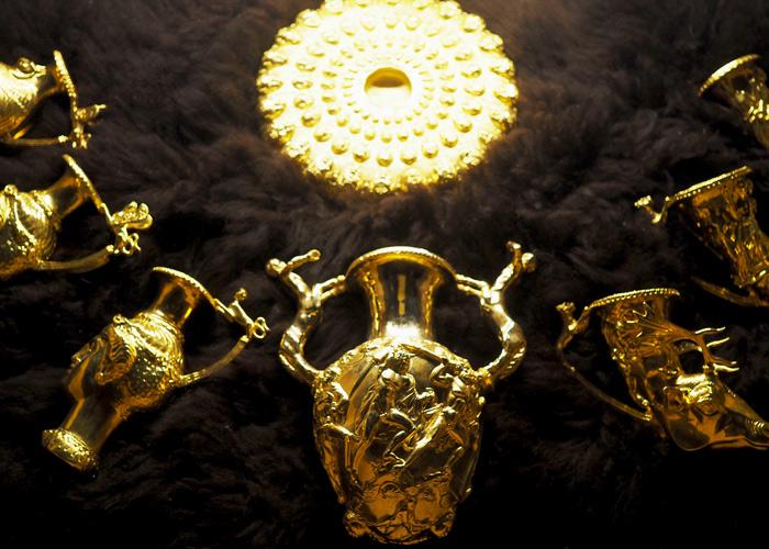 Bulgarien Geschichte_Historsicher Park_Gold_Thraker