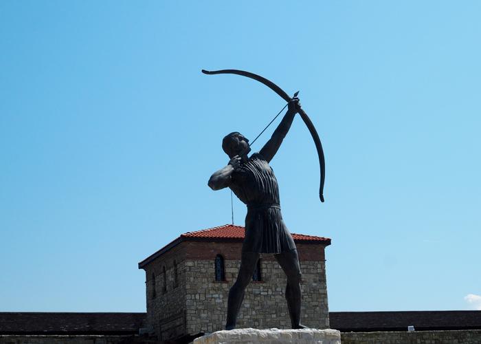 Bulgarien Geschichte_Historsicher Park_Sonnenkoenig