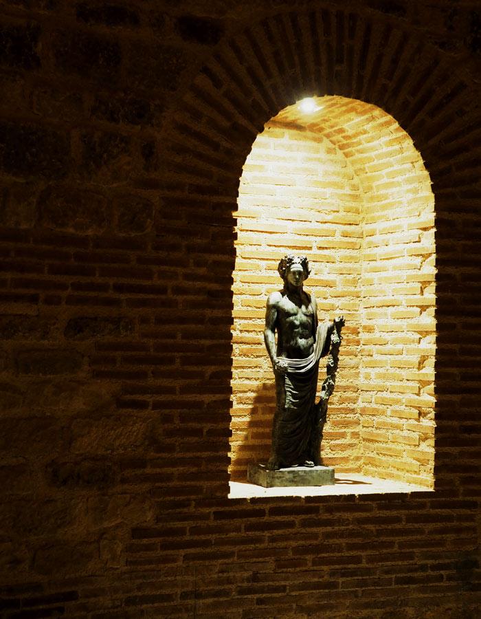 Bulgarien Geschichte_Historsicher Park_Thrakisches Grabmal
