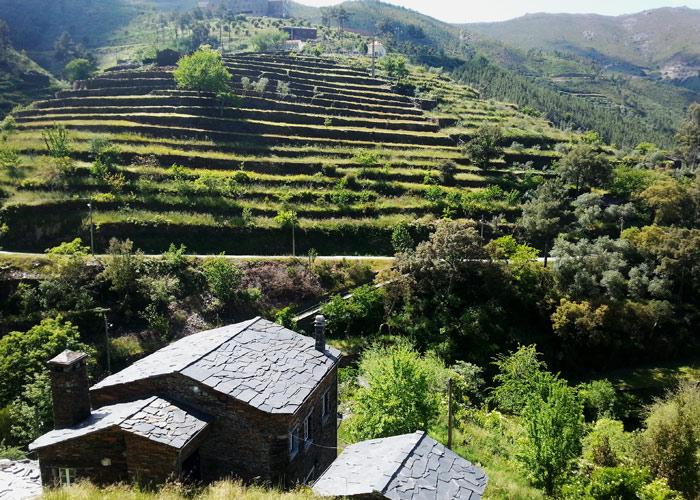 Ausblick vom Dorf Piodao im Centro de Portugal