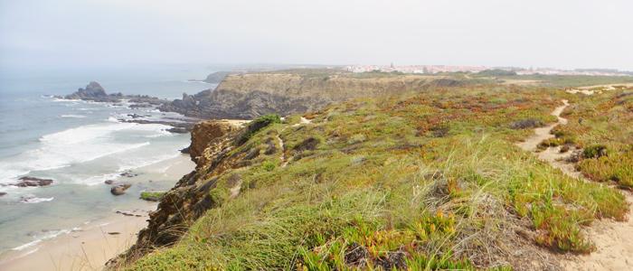 Wandern an Portugals schroffer Küste