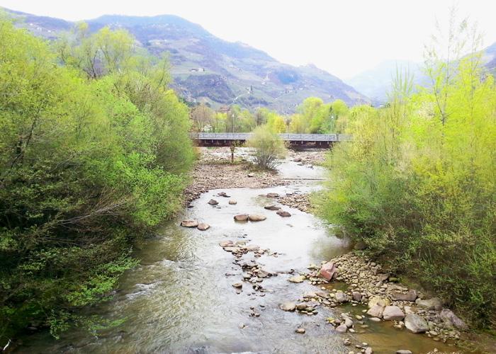 Fluss in Bozen, Italien