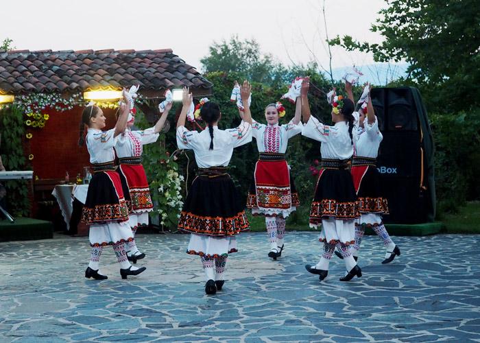 Sehenswuerdigkeiten in Bulgarien_Tanz