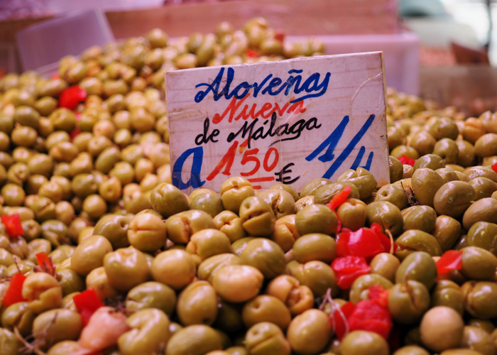 Spanien_Malaga_Essen_Food Tour_Oliven am Markt_kofferpacken.at