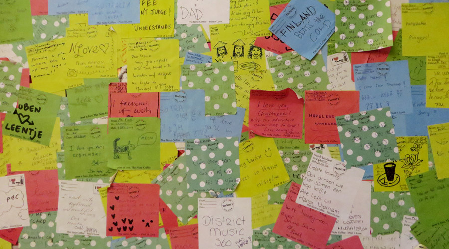 Post its im The Note Coffee in Hanoi