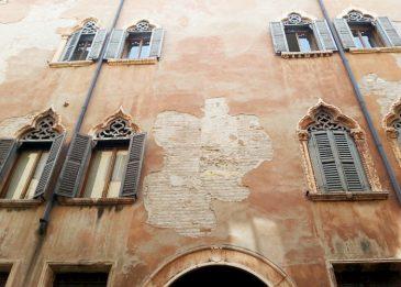 Altstadtfassade in Verona, Italien