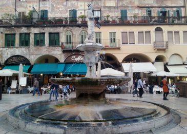 Piazza delle Erbe, Verona, italien