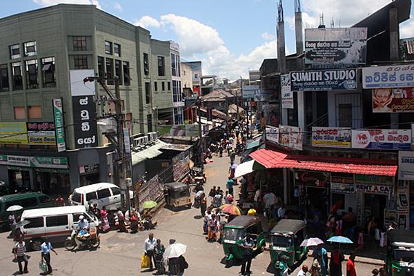 Verkehrchaos in Sri Lanka