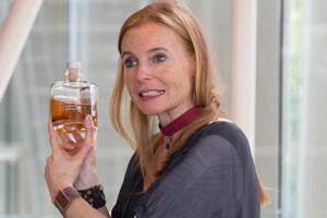 Brigitte Weutz bei einer Whisky-Führung