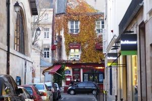 Das Künstlerviertel Marais bietet exklusive Boutiquen und viel zu sehen.
