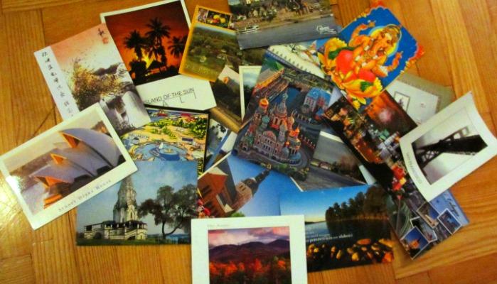 Innerhalb kürzester Zeit füllt sich der Briefkasten mit Postkarten aus aller Welt.