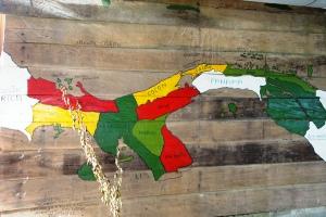 An der Karibikküste Panamas befindet sich die autonome Inselgruppe San Blás mit dem Stamm der Kuna Yala.