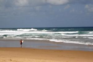Das Freiheitsgefühl der Surfer ist weltbekannt und wird von vielen Amateuren angestrebt.